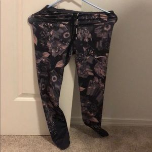 Nike leggings floral size small